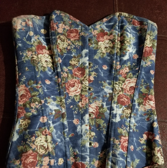 Other - Vintage inspired corset